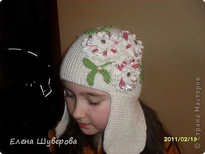 Шапочку вязала очень интересным и простым способом (делала это впервые): укороченными рядами. Вся шапка состоит из клиньев и вязание будет поперечным. фото 2