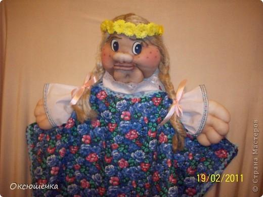 """Дуняша.Девушка-краса,льняная коса.Cоздана по МК Ликмы(,,Забава"""".)Веночек выполнен в технике ,,квиллинг"""".Примитив,конечно,но ,по-моему, Дуне он очень идёт.(делала впервые) фото 1"""