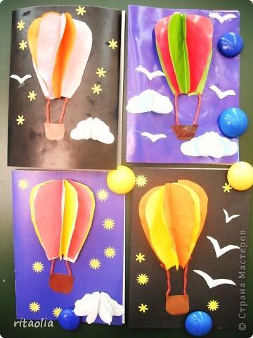 Идею этой открытки я подсмотрела у Александра Сурова на сайте RB.RU. Мне показалась эта работа вполне выполнима первоклашками как открытка к 23 Февраля, и поэтому я сделала небольшой МК (а для детей - презентацию)  Хочется заметить, что работа оказалась трудноватой: нам не хватило положенных 45 минут.  Вот на продленке, не ограниченные временем, мы успели доделать все: и облака, и звезды и чаек. фото 9
