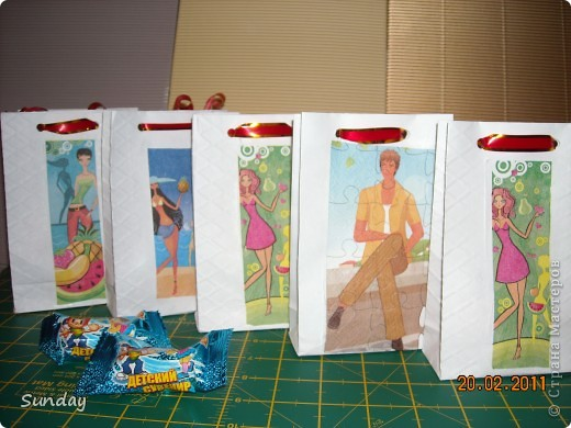 На днях у дочки день рождения, детки пакуют вкуснючие конфетки для угощения в дет.саду. фото 2