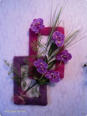 """Настенное панно """"Орхидеи"""". Сделали вместе с маман))) Цветы и травка куплены на рынке, остальное - полет фантазии)))   Только вот не знаю, можно ли это назвать словом """"панно"""". думаю, меня простят, если что не так))) фото 1"""