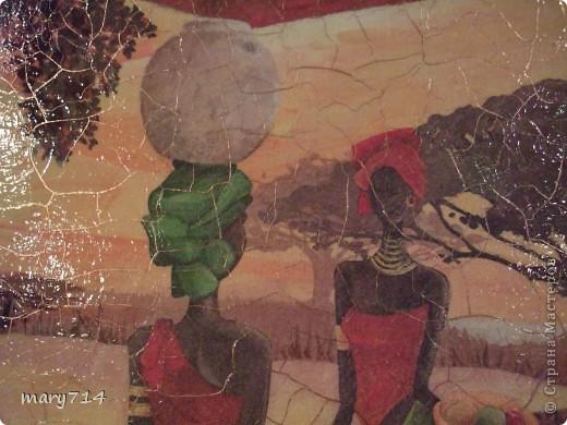 Вот такую картину я сделала мужу в подарок на день рождения. Тема картины - выбор мужа, обязательное условие - наличие кракелюра))))) Все пожелания выполнены! (правда рамочки еще нет)  Декупаж на холсте, в центре - рисовая салфетка, по периметру прорисовка акриловыми красками, маленькие картинки - это распечатки на салфетке, контуры, двухшаговый кракелюр от Маймери (739,740), затирка бронзовым порошком. фото 2