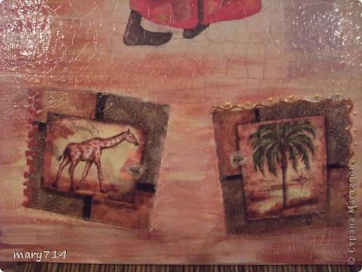 Вот такую картину я сделала мужу в подарок на день рождения. Тема картины - выбор мужа, обязательное условие - наличие кракелюра))))) Все пожелания выполнены! (правда рамочки еще нет)  Декупаж на холсте, в центре - рисовая салфетка, по периметру прорисовка акриловыми красками, маленькие картинки - это распечатки на салфетке, контуры, двухшаговый кракелюр от Маймери (739,740), затирка бронзовым порошком. фото 3