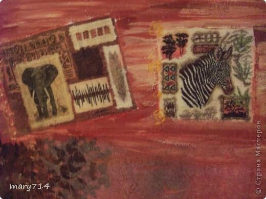 Вот такую картину я сделала мужу в подарок на день рождения. Тема картины - выбор мужа, обязательное условие - наличие кракелюра))))) Все пожелания выполнены! (правда рамочки еще нет)  Декупаж на холсте, в центре - рисовая салфетка, по периметру прорисовка акриловыми красками, маленькие картинки - это распечатки на салфетке, контуры, двухшаговый кракелюр от Маймери (739,740), затирка бронзовым порошком. фото 5