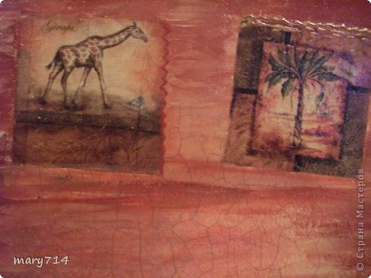 Вот такую картину я сделала мужу в подарок на день рождения. Тема картины - выбор мужа, обязательное условие - наличие кракелюра))))) Все пожелания выполнены! (правда рамочки еще нет)  Декупаж на холсте, в центре - рисовая салфетка, по периметру прорисовка акриловыми красками, маленькие картинки - это распечатки на салфетке, контуры, двухшаговый кракелюр от Маймери (739,740), затирка бронзовым порошком. фото 6