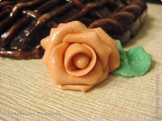 Эту корзиночку роз сделала в подарок маме на 8 марта. фото 5