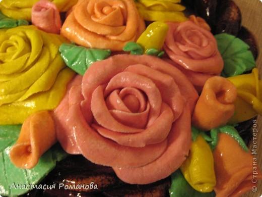 Эту корзиночку роз сделала в подарок маме на 8 марта. фото 2