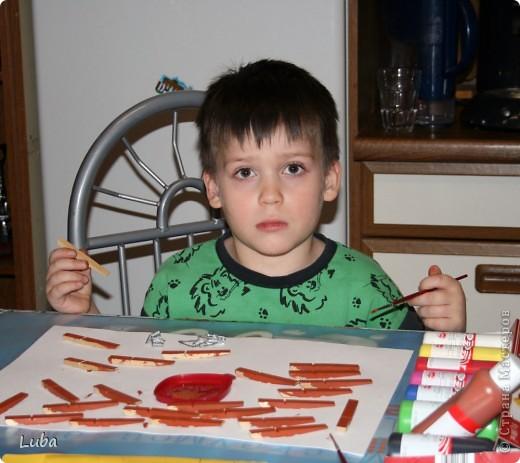 Еще одно творчество и как идея, чем можно занять ребенка! Корабль из деревянных прищепок!  фото 3