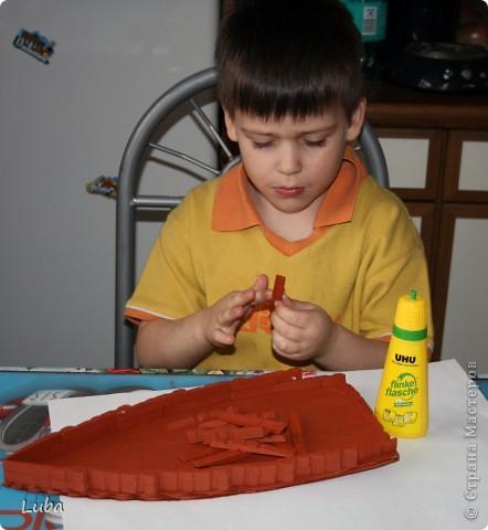 Еще одно творчество и как идея, чем можно занять ребенка! Корабль из деревянных прищепок!  фото 6
