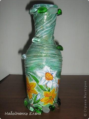 На ваш суд еще несколько ваз, капроновые колготки, краска акриловая, салфетки, стразы, микро бисер, бусины, декоративные камни, лак.  фото 1