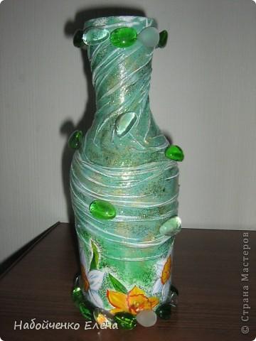 На ваш суд еще несколько ваз, капроновые колготки, краска акриловая, салфетки, стразы, микро бисер, бусины, декоративные камни, лак.  фото 2