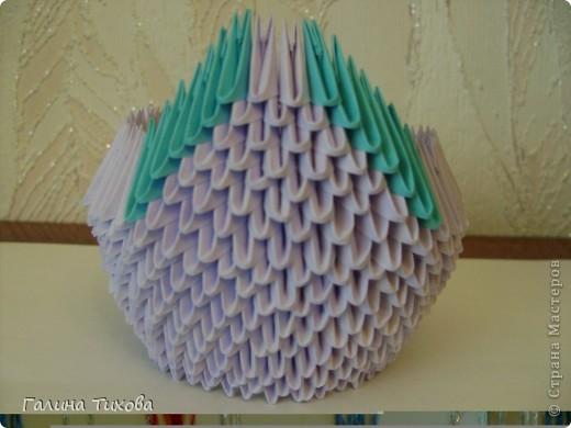 Для создания такого лебедя мне понадобилось:1111модулей. Сиреневых 973 модуля (31 лист); синих 136 модулей (5 листов); чёрных 1 модуль; красных 1 модуль. фото 11