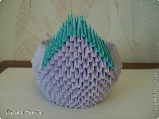 Для создания такого лебедя мне понадобилось:1111модулей. Сиреневых 973 модуля (31 лист); синих 136 модулей (5 листов); чёрных 1 модуль; красных 1 модуль. фото 12