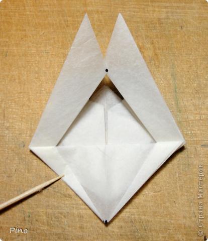 Схема для этой бабочки находится здесь - http://www.liveinternet.ru/users/byxtelka/post101642047/? . К сожалению, я не знаю ее автора и названия (если кто-нибудь сможет помочь - буду очень признательна)  фото 11