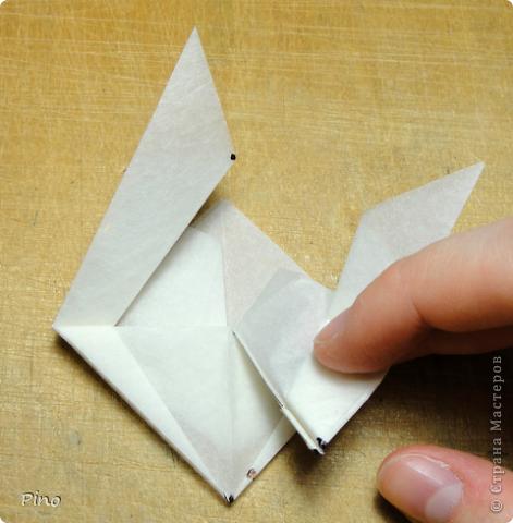 Схема для этой бабочки находится здесь - http://www.liveinternet.ru/users/byxtelka/post101642047/? . К сожалению, я не знаю ее автора и названия (если кто-нибудь сможет помочь - буду очень признательна)  фото 13