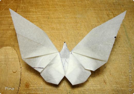 Схема для этой бабочки находится здесь - http://www.liveinternet.ru/users/byxtelka/post101642047/? . К сожалению, я не знаю ее автора и названия (если кто-нибудь сможет помочь - буду очень признательна)  фото 22