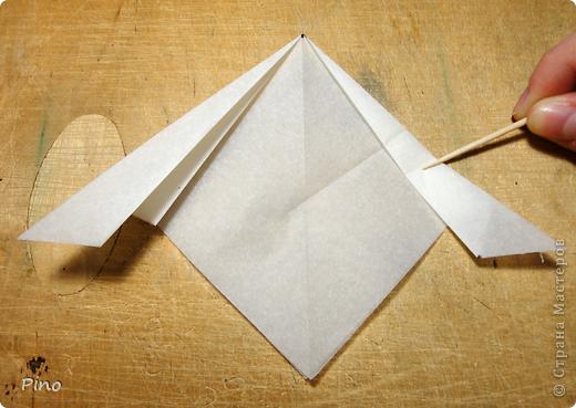 Схема для этой бабочки находится здесь - http://www.liveinternet.ru/users/byxtelka/post101642047/? . К сожалению, я не знаю ее автора и названия (если кто-нибудь сможет помочь - буду очень признательна)  фото 7