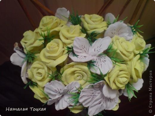 Вот такие у меня получились цветочки в корзинке. Корзинку я купила фото 2