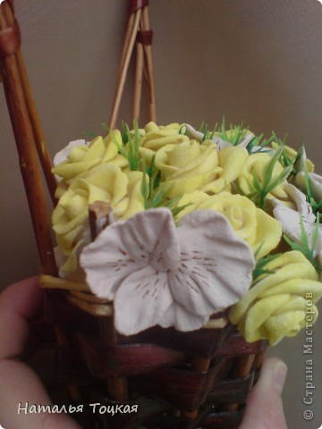 Вот такие у меня получились цветочки в корзинке. Корзинку я купила фото 3