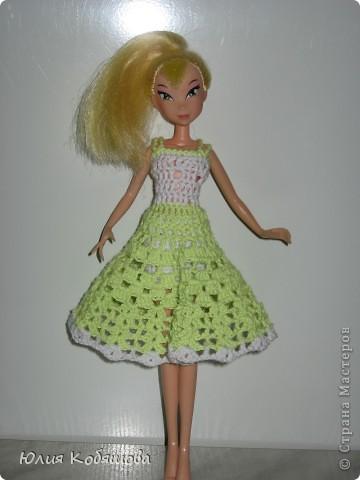 Платье на куклу связано крючком. фото 1