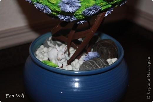 Вот такое первое дерево счастья получилось у меня... Сделала в подарок бабушке на ДР. Все модули (листики и цветочки) сделаны в технике квиллинг. Получилась большая трудоемкая работа - делала около 2-ух месяцев.  фото 4