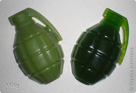 Оригинальный подарок для мужчин, жаль только что форма маловата, мыло получилось 60 гр. фото 3