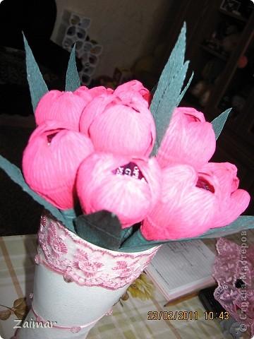 Девочки огромная просьба помогите свежим взглядом чего не хватает этой вазочке. Хочу сделать сладкий букет и подарить в этой вазе заведующей детсадом. Как вы думаете достойный подарок будет или что то другое сообразить. фото 4