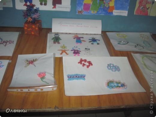 У дочери в школе проходила выставка детских работ. Вот хотели показать и Вам, какой творческий детский народ!  фото 6