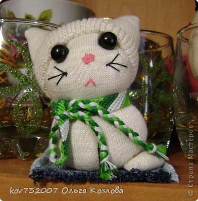 Котик из детского носочка фото 1