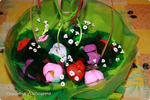 конфетно-цветочная корзина фото 1
