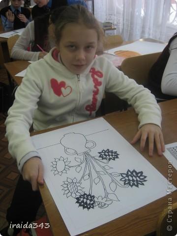 """Второй год выполняем с пятиклассниками натюрморт черным маркером. За основу даю рисунки из детской раскраски """"Я рисую натюрморт"""" из серии """"Веселые уроки волшебника Карандаша"""" фото 4"""