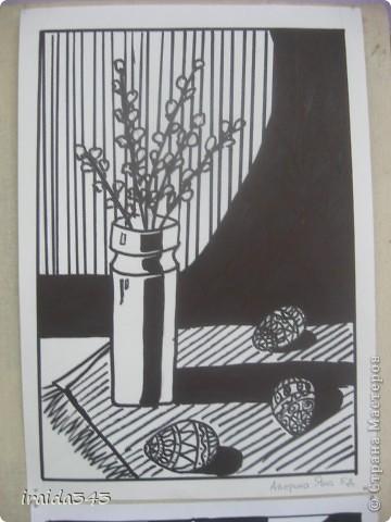 """Второй год выполняем с пятиклассниками натюрморт черным маркером. За основу даю рисунки из детской раскраски """"Я рисую натюрморт"""" из серии """"Веселые уроки волшебника Карандаша"""" фото 10"""