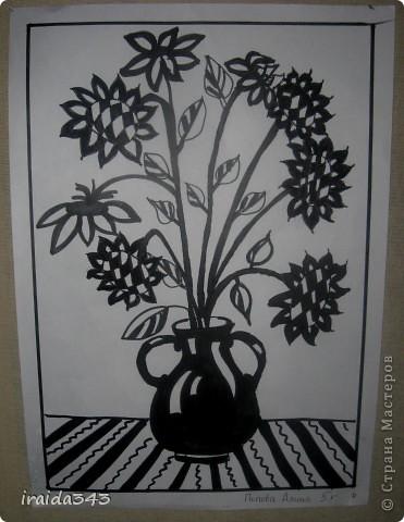 """Второй год выполняем с пятиклассниками натюрморт черным маркером. За основу даю рисунки из детской раскраски """"Я рисую натюрморт"""" из серии """"Веселые уроки волшебника Карандаша"""" фото 12"""
