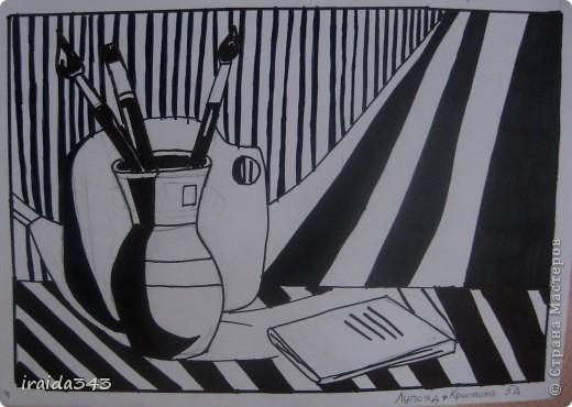"""Второй год выполняем с пятиклассниками натюрморт черным маркером. За основу даю рисунки из детской раскраски """"Я рисую натюрморт"""" из серии """"Веселые уроки волшебника Карандаша"""" фото 20"""
