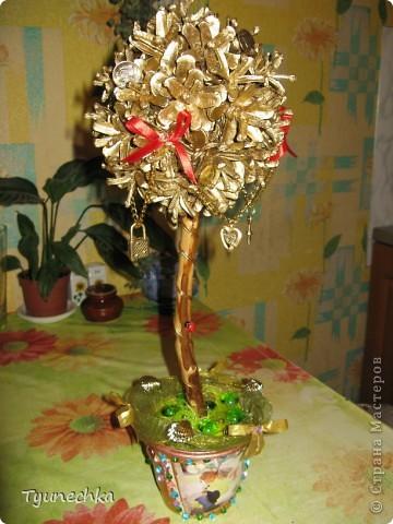 """Моё самое первое """"Дерево СЧАСТЬЯ"""", делала сестре на свадьбу вместо конверта с деньгами (сам конверт был привязан к стволу дерева у основания)   фото 1"""