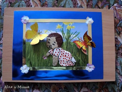 Малыш на лужайке фото 3