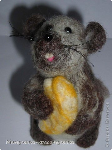 Ежемышь.  Начинала валять ежонка, но получилась мышь. фото 1