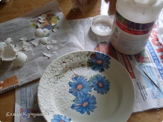 Вот такая тарелочка у меня получилась, используя в первый раз  декупаж. фото 2