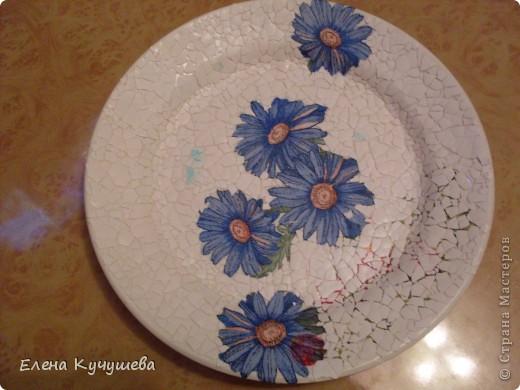 Вот такая тарелочка у меня получилась, используя в первый раз  декупаж. фото 3