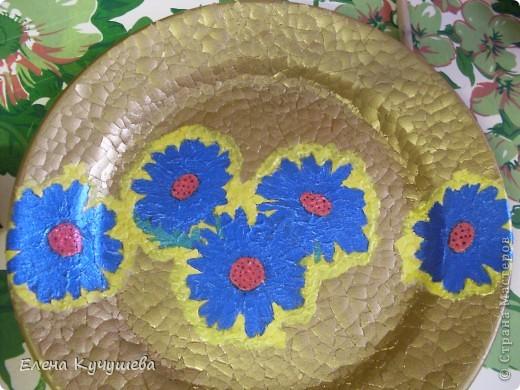 Вот такая тарелочка у меня получилась, используя в первый раз  декупаж. фото 7