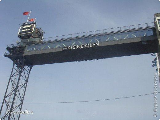 Столица Швеции, знаменитый город Стокгольм, пользуется популярностью среди туристов. Город был построен на четырнадцати островах, которые ничем не соединялись между собой, поэтому к сегодняшнему дню в регионе насчитывается около 55 мостов.  фото 15