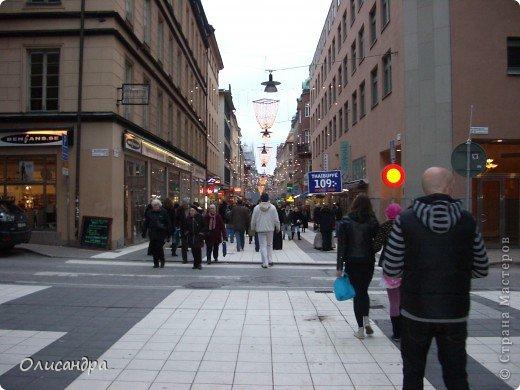 Столица Швеции, знаменитый город Стокгольм, пользуется популярностью среди туристов. Город был построен на четырнадцати островах, которые ничем не соединялись между собой, поэтому к сегодняшнему дню в регионе насчитывается около 55 мостов.  фото 34