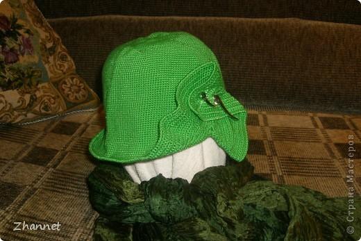 Беретик с козырьком и шарфик фото 9