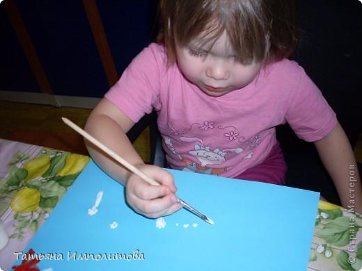 Рисовала София 3,2г,я помогала со стебельками колокольчиков фото 2