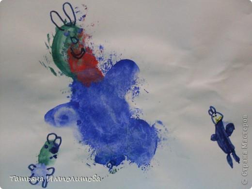 Рисовала София 3,2г,я помогала со стебельками колокольчиков фото 5