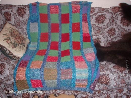 Плед с подушечкой на кресле фото 4