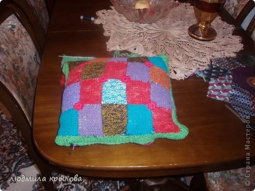 Плед с подушечкой на кресле фото 9