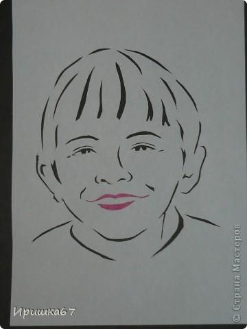 """Ко дню рождения сестренки вырезала её фото и оформила такую открытку. Рамочку нашла в открытках, наклейки тоже из открыток, скрап-бумага из журнала """"Формула ракоделия"""" фото 7"""