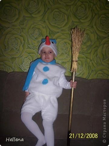 Я знаю, что новогодние костюмы уже совсем не кстати, но не могу удержаться не выложить их. Думаю, кому нибудь на следующий год пригодится. фото 2