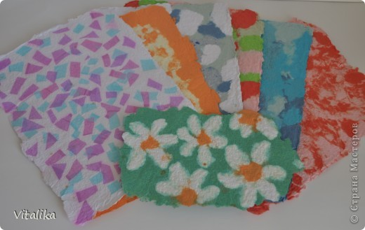 Вот такой набор цветной бумаги получился у меня из ненужных обрезков.  фото 1